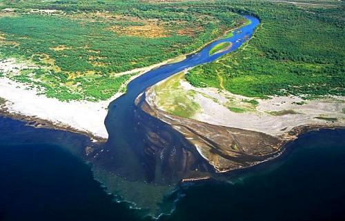 jordan_river_entering_sea_of_galilee_aerial.jpg